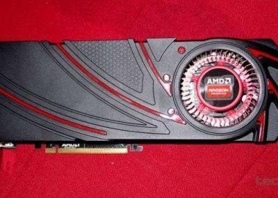 AMD-Radeon-R9-290X-Hawaii_XT_01