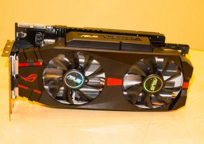 Asus-Radeon-R9-280X-ROG-Matrix-Platinum-02