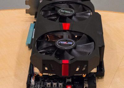 Asus-Radeon-R9-280X-ROG-Matrix-Platinum-03