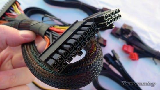 ocz750wfatality-cables03