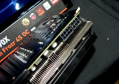 MSI-Radeon-R9-290X-Twin-Frozr-4S-OC-Gaming04