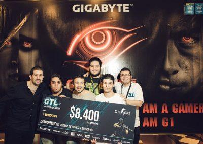 Gaston Finkelstein y MOB ganador del Counter Strike en GTL