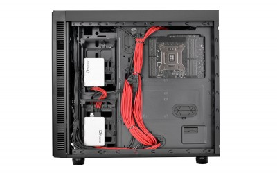 Thermaltake Suppressor F51 Mid-Tower Chassis has a flexible installation for HDD tray