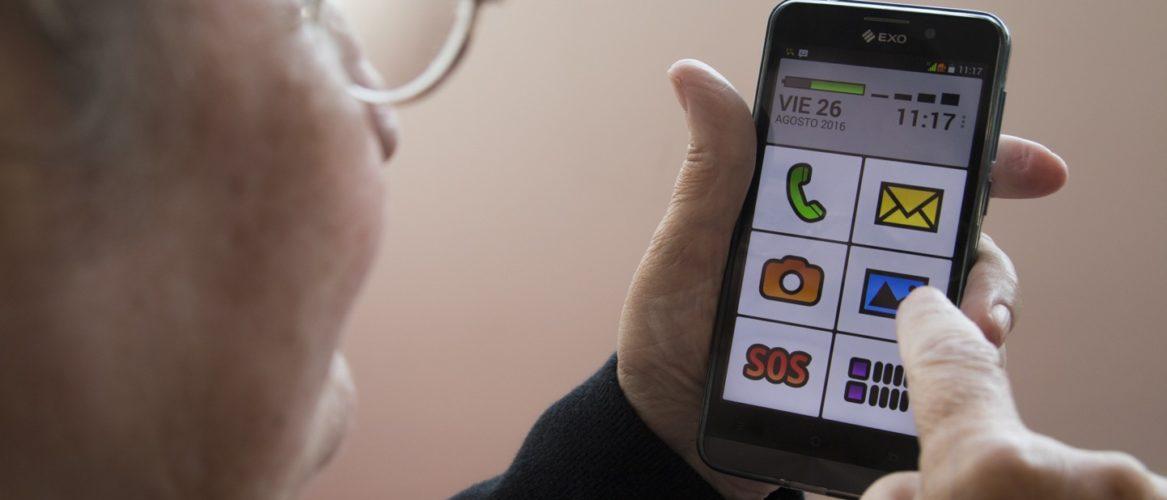 EXO lanzó un smartphone pensado para adultos mayores
