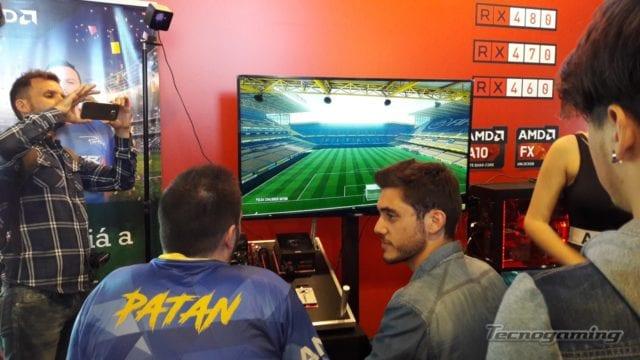 """También fueron cientos los visitantes que desafiaron al mejor jugador Argentino de FIFA: Juan Francisco """"Patán"""" Sotullo en el stand de AMD."""