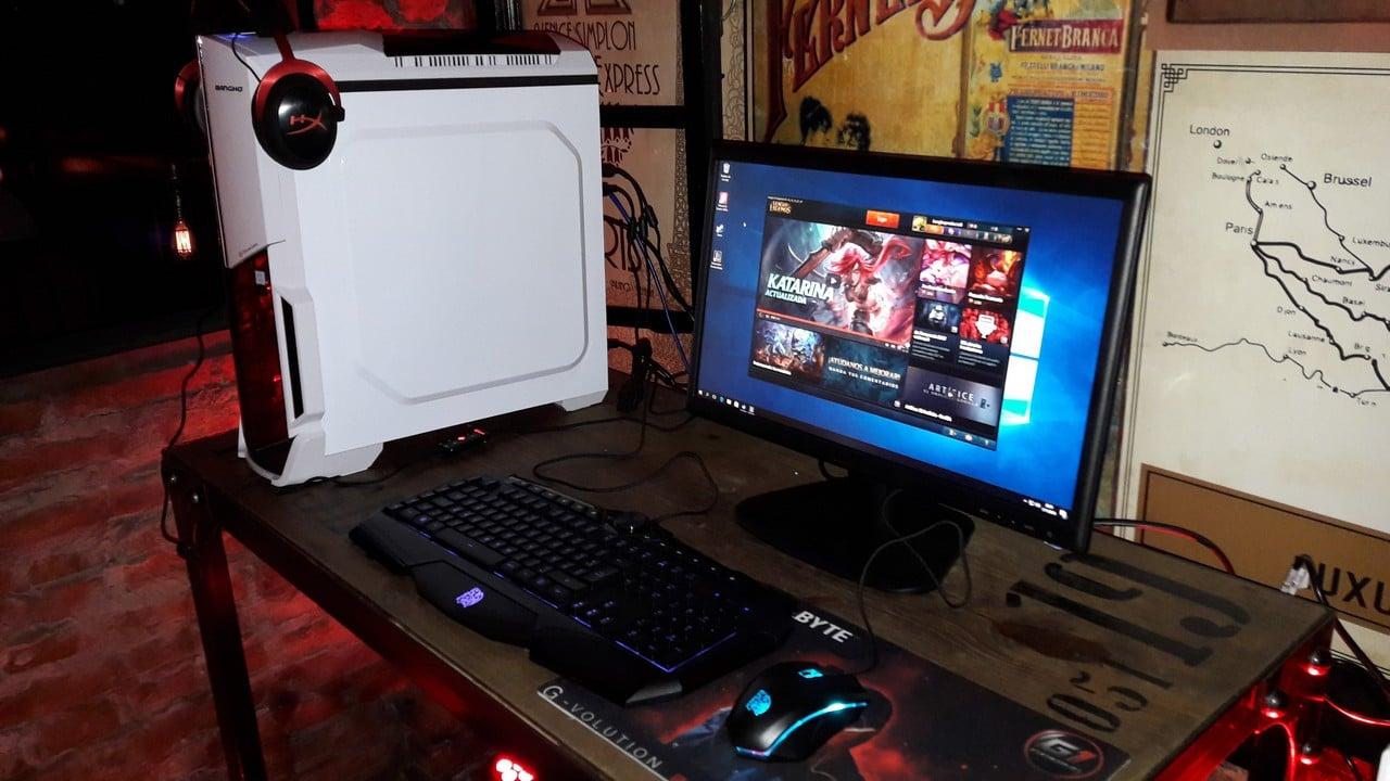bangh lanza su primera pc gamer del mercado tecnogaming. Black Bedroom Furniture Sets. Home Design Ideas